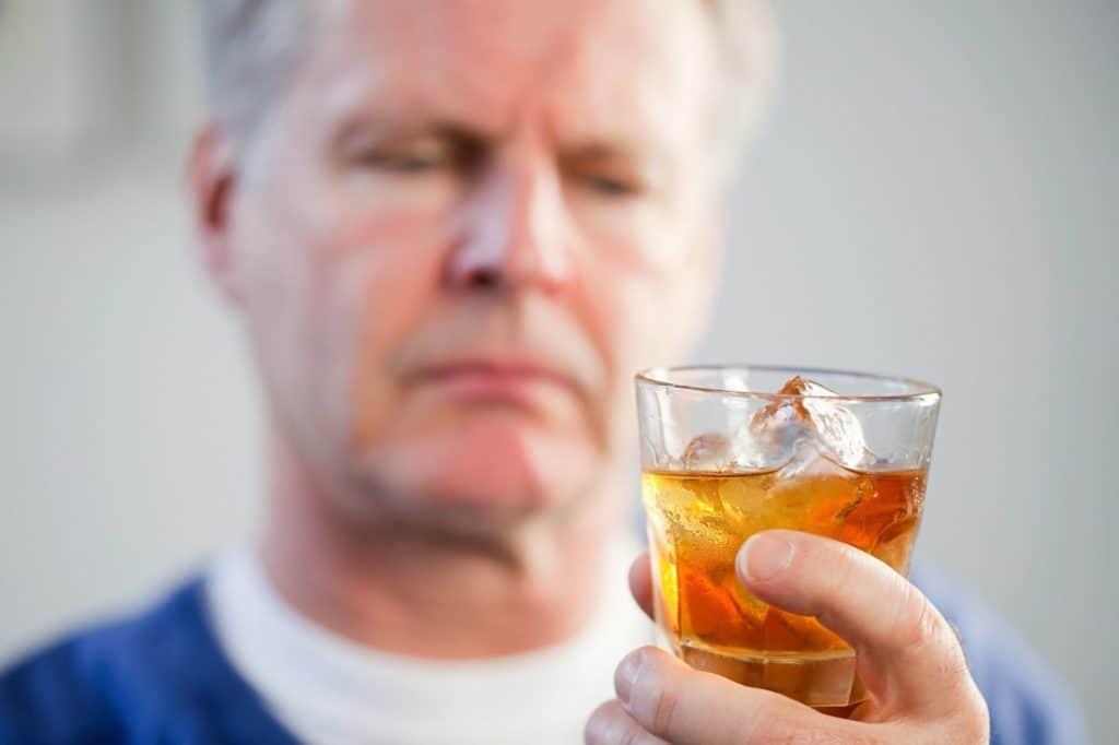 поможет 1024x682 - Кодирование от алкоголя Аквилонгом